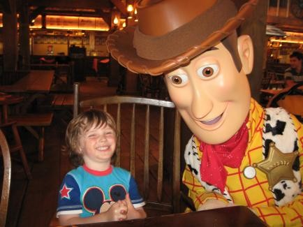 Breakfast with Characters at DisneyLand Paris-img_2981.jpg