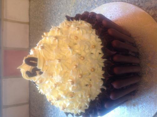 Big Top giant cupcake - recipe?-image.jpg