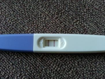 Becoming Phill) 8 dpo bloated